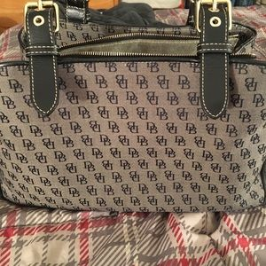 Authentic dooney and bourke purse